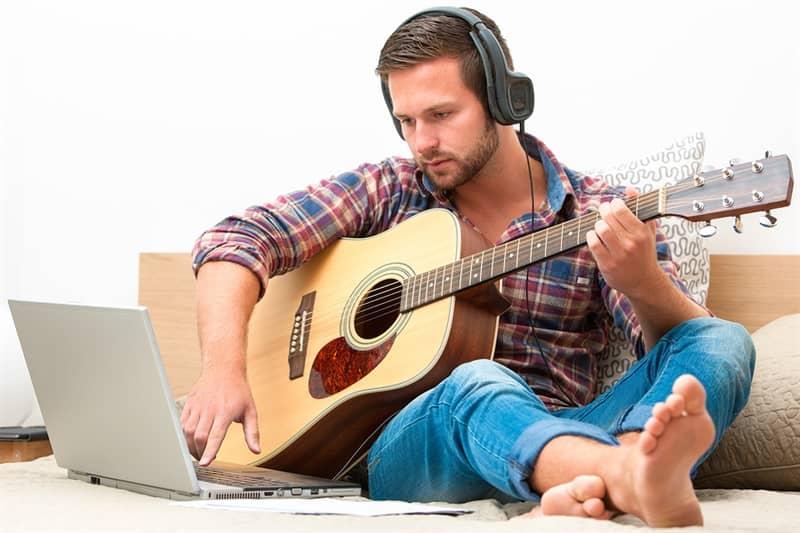آموزش موسیقی با تکنولوژی