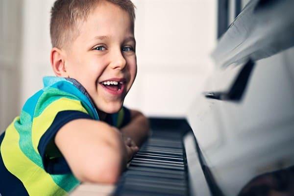 آموزش موسیقی در سنین پایین