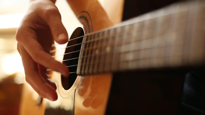 نواختن گیتار با انگشت